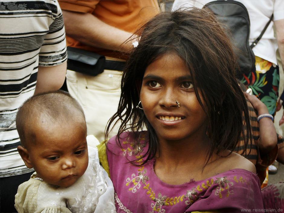 Indien - Reisetipps - Reisen - Rajasthan - Bettelkind in Jaipur