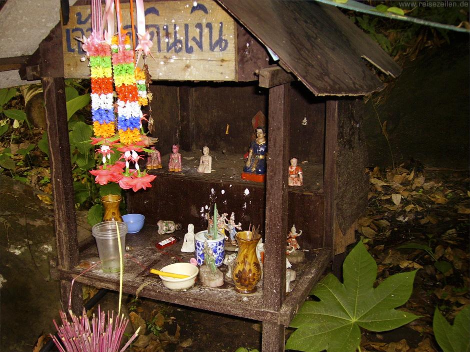 Geisteshäuschen Thailand Geisterglaube Reisen Reisetipps