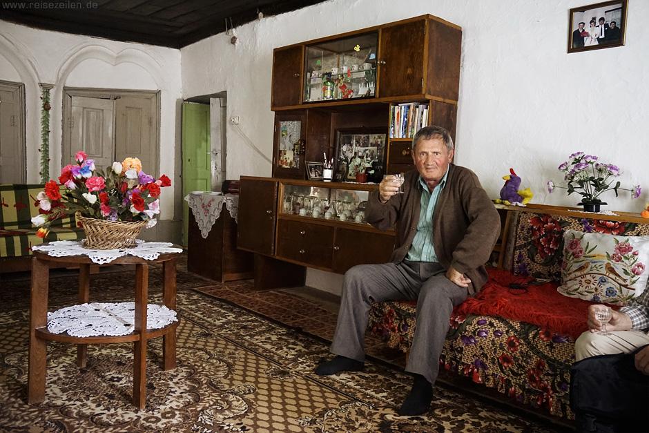 Albanien - Raki gehört fest zur albanischen Kultur - albanisches Essen