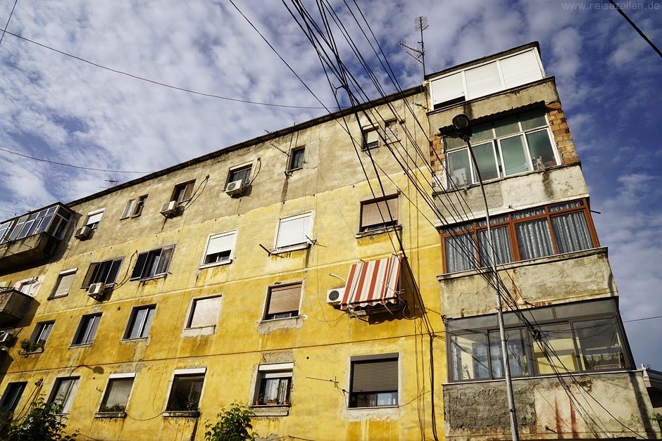 Albanien - Stadtansicht von Tirana - Reisen - Reiseberichte - Reisetipps