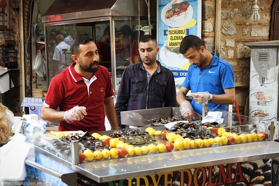 Reisen Reisebericht Reisetipps Türkei Türkische Ägäis Izmir Muschelverkäufer