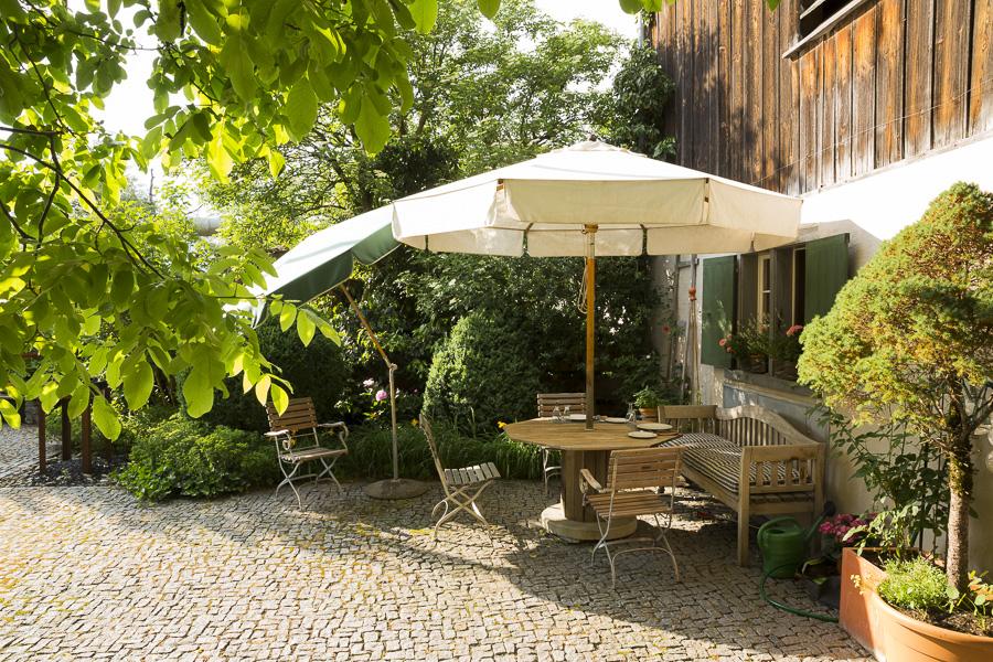 Hoteltipp Graubünden Schweiz Türmlihus Fideris - Blick in den Innenhof