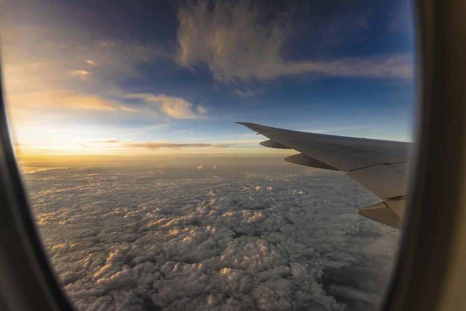 im Flugzeug besser schlafen