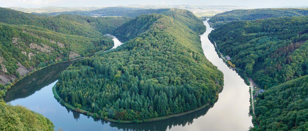 Die Saarschleife ist ein lohnendes Ziel für Urlaub in Deutschland.