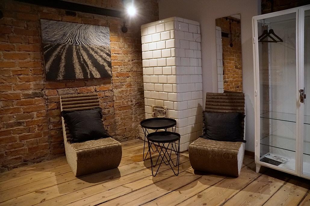 Warschau Sehenswürdigkeiten - Sitzgruppe im Arthotel Stalowa52